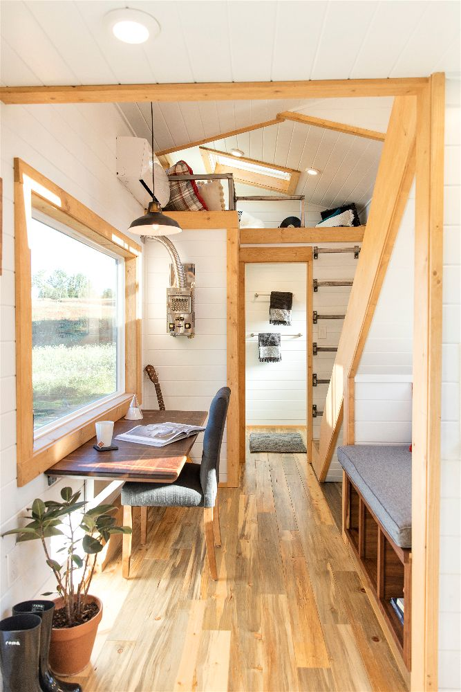 artists retreat tiny house interior
