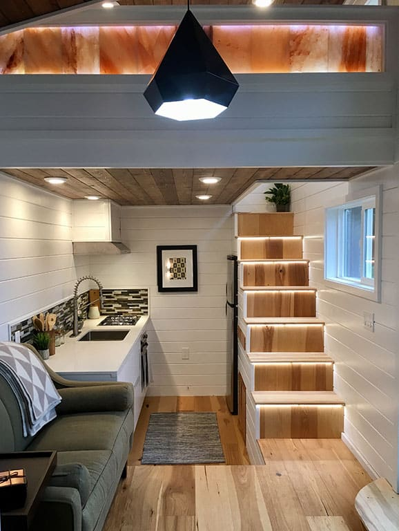 tiny house interior minimalism