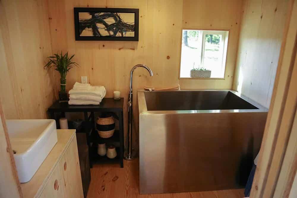 tiny home bathtub